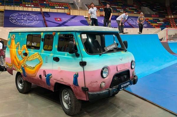 УАЗ анонсировал спецверсию «Буханки» для скейтбординга