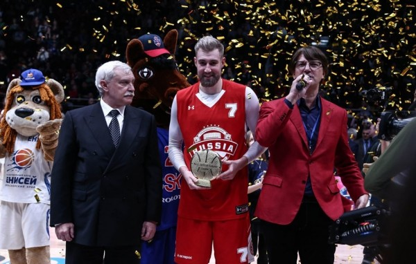 УАЗ ПИКАП для Сергея Карасёва, самого полезного игрока  Матча всех звезд Единой баскетбольной лиги ВТБ